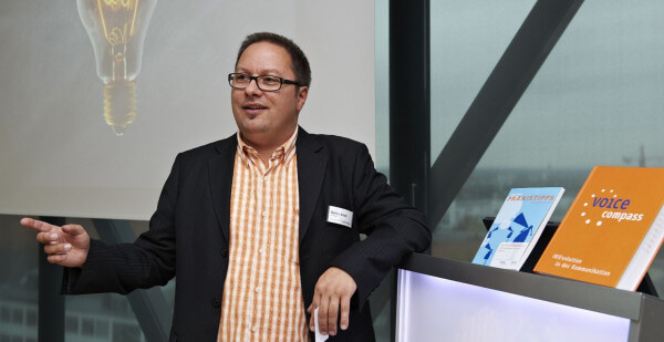 Kommunikation, Arbeit und Unternehmen im Wandel ein Vortrag mit Detlev Artelt bei der IHK Aachen
